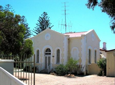 Csutoms House